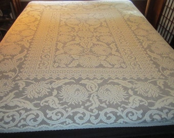 Vintage 1940s/50s Gorgeous Off White 66x78 Machine Net Lace Chrysanthemum Scroll Tablecloth