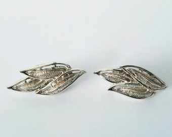 Vintage Coro Leaf Design Clip On Earrings, Leaf Clip Earrings, Costume Jewelry