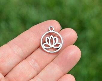 1 Silver Lotus Flower Charm SC3914