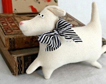 Felted Wool Dog - White Wool Stuffed Dog - White Dog - Lab Puppy - Dog Lover Gift - Running Dog Ornie - Primitive Dog Doll - White Akita