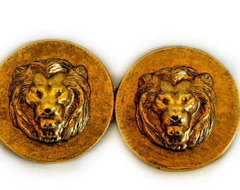 1980s Antique Hammered Gold Tone Metal Round Lion Head VIntage Belt Buckle
