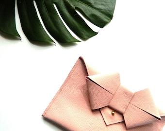 LAST CALL - Aoki Bow Leather Clutch - Blush