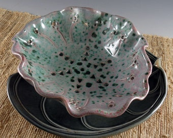 Porcelain Ceramic Colander Berry Bowl - Pottery Strainer - Bowl with Leaf Plate - 576