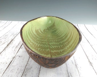 Pottery Serving Bowl - Ceramic Fruit Bowl - Fern Pattern with Lace - Apple Green - In Stock - 631