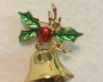 vintage christmas brooch holly and bell 1005