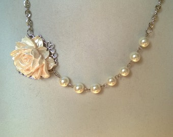 Ivory wedding jewelry,  Bridesmaid necklace, Mother of bride, Flower necklace, Pearls necklace, Bijou de fantaisie,