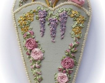 NEW! - Victorian Roses & Wisteria scissorkeeper - Silk ribbon full kit