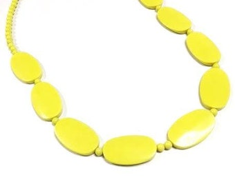 Vintage CANARY YELLOW Chunky Costume Jewelry Necklace