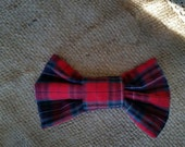 Medium red and navy tartan plaid pattern bow with pin and hair clip