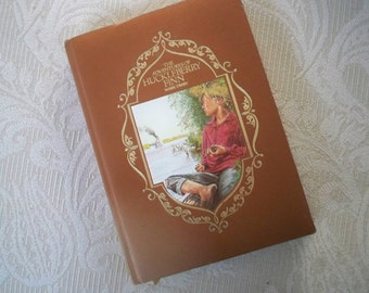 """Vintage Book Literature Classic """"The Adventures of Huckleberry Finn"""" Mark Twain 1985 Illustrated"""