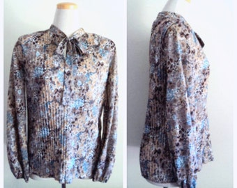 Vintage 1980's Floral Blouse // Accordion Pleat Blouse // Pussy Bow // Gathered Sleeves // Boho Chic