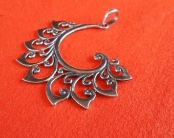 Bali Sterling Silver Pendant / Balinese handmade jewelry / Silver 925 / 1.75 inch long