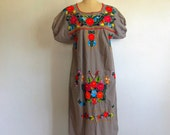 70s MEXICAN floral embroidered tunic dress size medium