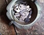 Vintage Art Deco Serving Dish. Renown Vintage silver sugar bowl. Patina. Renown silver Vintage silver dish. Vintage Tableware