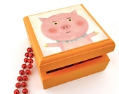 Pig Wood Box - Baby Pig Illustration on a Lidded Wooden Box - Great for first Baby Curl, Tooth Fairy or Desktop container