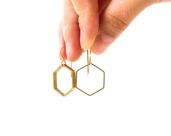 Hexagon brass earrings - Medium
