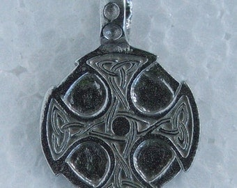 Celtic Cross Pendant Nickel and lead free 28mm w x 39mm High