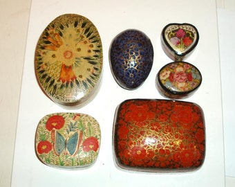 set of 6 KASHMIR BOXES INDIA,handmade vintage vg condition,red,beige,royal blue,black,blue,rust,heart,oval,butterfly,trinket,green,pink,gold