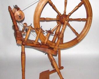 Kromski Interlude Spinning wheel - Antique Walnut finish - New