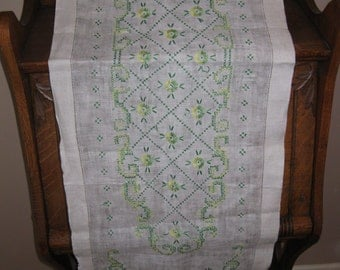 Vintage Linen Hand Embroidered Green Table Runner
