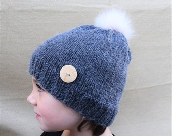 FALL SALE Slouchy Winter Hat / Wooden Button Hat / Fur Pom Pom Hat
