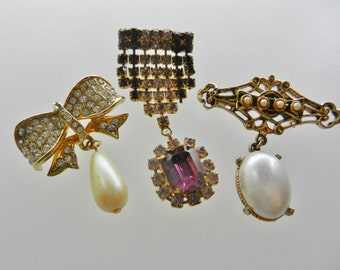 Sparkling trio of antique dangling Brooches - three 1950s and 1960s  pins with dazzling crystals and pearls  --- art.194/4 -