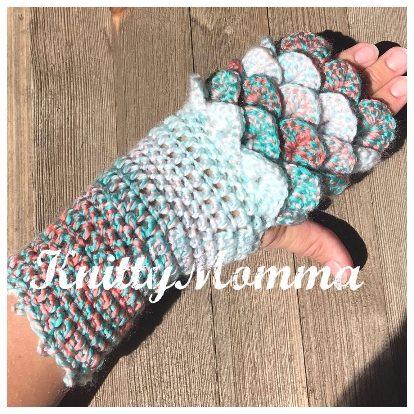 Dragon scale gloves pattern fingerless gloves dragon scales dragon scale gloves pattern fingerless gloves dragon scales dragon fingerless mittens crochet pattern adult gloves pattern bankloansurffo Image collections