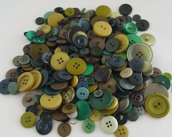 7.3oz mixed Green buttons