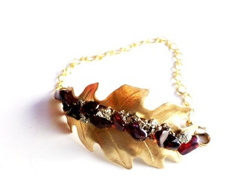brass leaf bracelet with garnet gemstones and crushed pyrite//pyrite//garnet//bracelet//leaves//fall style//style//winter style//earthy
