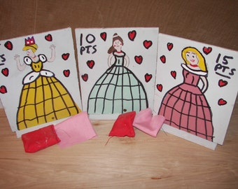 Set  of  3   princess  with 6  bean  bags  knock overs