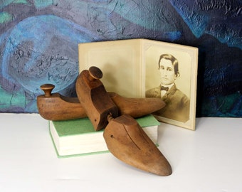 Vintage Wood Shoe Forms / Vintage Shoe Stretchers