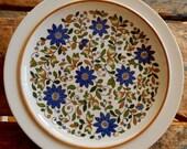 RARE Georg Jensen Quattrocentro Rimmed Dinner Plates Mustard Blue Green Floral Vine Pattern Scandinavian Danish Modern Design