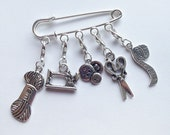 Needlecraft Crochet Stitch Markers / Progress Markers - Set of 5 - With Kilt Pin