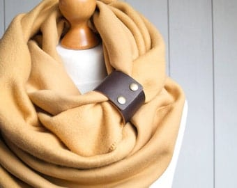 CHUNKY SCARF, extra CHUNKY Infinity Scarf with leather cuff, winter fashion infinity scarf