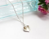 Calla Lily Necklace With Pearl, Silver Petal Necklace, Bridal Necklace, Great Bridesmaids Gift, Personalized Jewelry