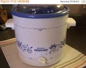 Valentines SALE Vintage Rival Slow Cooker, Crock Pot, Blue & White 3 Quart, Nice Condition