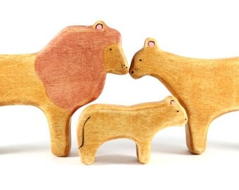 lion family waldorf toys, wooden lion toys, waldorf animal toys, lion figurine, wood animal toy