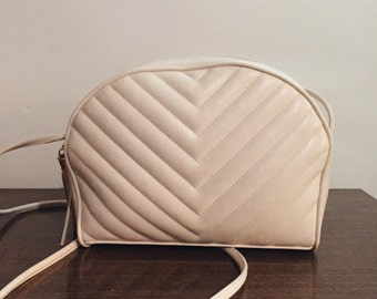 Vintage cream cheveron purse