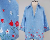 Vintage 70s chambray cotton bell sleeve embroidered shirt / Super wide collar / lightweight soft summer top