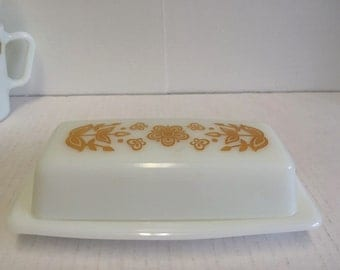 Pyrex Butterfly Gold Butter Dish Set Pyrex Corning Butterfly Gold Mid Century Modern Retro Vintage 2 Piece Set 60s