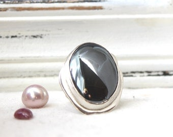 Mirror Mirror - Sterling Silver Ring with a Gorgeous Hematite Gemstone - Jewelry 925 - Size 7