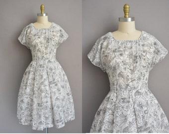 50s black and white scribble cotton print vintage dress / vintage 1950s dress