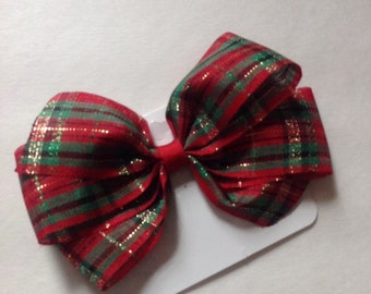 Red and Green Plaid Classic Hair Bow by Cheryl's Bowtique / toddler, girl, holiday, Christmas, school
