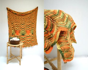 70s Afghan Bedspread  //  70s Throw Blanket  //  THE OMBRE