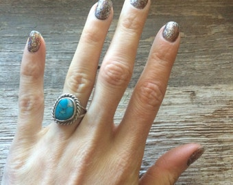 Vintage handmade turquoise and silver ring // tribal native american southwestern hippie boho festival