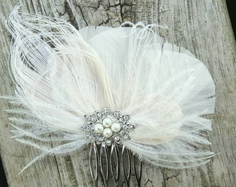 Ivory Bridal Comb, Feather Hair Comb, Wedding Comb, Ivory Wedding Comb, Ivory Feather Fascinator, Bridal Fascinator, Bridal Comb, Womens