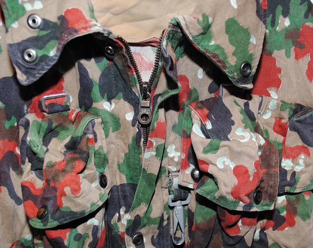 Vintage Swiss Camo 100% Cotton Hooded Utility Jacket - Medium