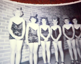 Vernacular Snapshot PHOTO 1960s Young Girls Drill Team Dance group 1966, Free Shipping US