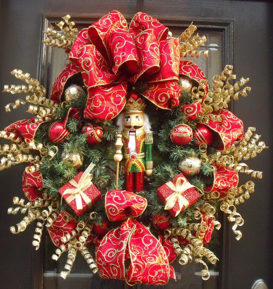 Nutcracker christmas wreath mantel wreath designer door for Table noel rouge