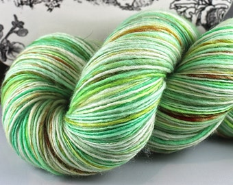 Handspun Yarn Gently Thick and Thin Fingering Single Superwash Merino Mint Candy Apple Hedgehog Fibres